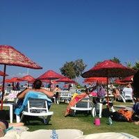 Foto diambil di İncir Beach oleh Muharrem Ç. pada 6/30/2013