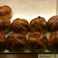 Das Foto wurde bei Bäckerei & Konditorei Göbecke von Frank S. am 9/28/2013 aufgenommen