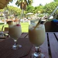 Foto diambil di Las Palmas Cafe @ Copamarina Beach Resort oleh Reyis N. pada 5/4/2013