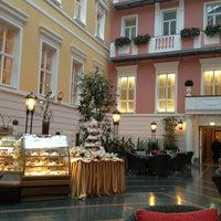 Foto tomada en Belmond Grand Hotel Europe por Christina B. el 2/24/2013