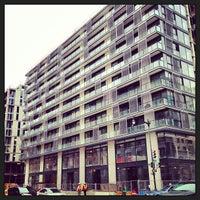 รูปภาพถ่ายที่ CityCenter DC โดย Christopher W. เมื่อ 5/14/2013