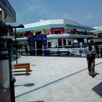Photo prise au CC Plaza San Miguel par Omar A. le10/24/2012