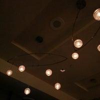 10/25/2012 tarihinde Sergio B.ziyaretçi tarafından Second Floor Regionally Inspired Kitchen'de çekilen fotoğraf