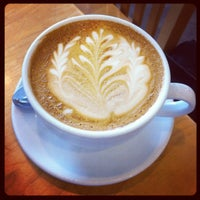 10/10/2012 tarihinde Alexander H.ziyaretçi tarafından Peregrine Espresso'de çekilen fotoğraf