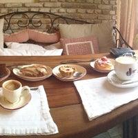 Снимок сделан в Cafeletto пользователем Михаил И. 11/4/2012