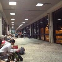 Das Foto wurde bei USO Hawaii's Airport Center von Mark R. am 12/4/2012 aufgenommen
