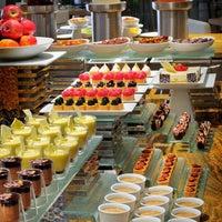 Foto scattata a Kitchen 6 da Emi il 12/18/2012