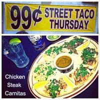 Снимок сделан в Tequilas Cantina and Grill пользователем Carlos R. 5/23/2013