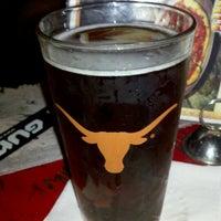 12/16/2012にRussell J.がDarwin's Pubで撮った写真