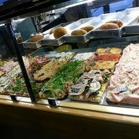 Foto scattata a Pizzarium Bonci da Carlo M. il 12/2/2013