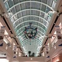 12/14/2012にKin L.がMetropolis at Metrotownで撮った写真
