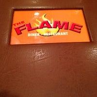 Foto scattata a The Flame Restaurant da Lao R. il 5/4/2013