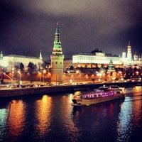 Photo prise au Bolshoy Kamenny Bridge par Irina S. le11/26/2012