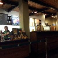 9/30/2012 tarihinde Cluelinaryziyaretçi tarafından Starbucks'de çekilen fotoğraf