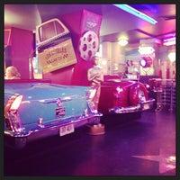 Снимок сделан в Beverly Hills Diner пользователем Татьяна Б. 6/6/2013