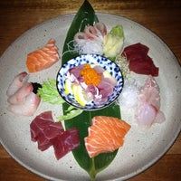 Foto diambil di Kumo Izakaya & Sake Bar oleh Melinda J. pada 10/16/2012