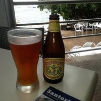 Снимок сделан в Santorini Ocean Lounge Restaurant пользователем Foodiespr 2/1/2013