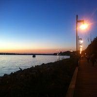 Снимок сделан в Sydney Boardwalk пользователем Brenda Y. 8/6/2013