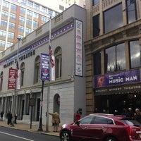 12/22/2012 tarihinde Rob K.ziyaretçi tarafından Walnut Street Theatre'de çekilen fotoğraf