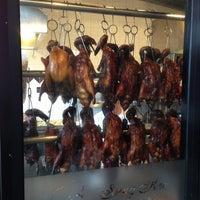 2/16/2013 tarihinde Joshua M.ziyaretçi tarafından Sang Kee Peking Duck House'de çekilen fotoğraf