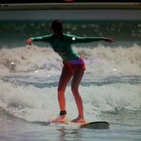 Foto scattata a Odysseys Surf School da Natalia il 4/25/2013