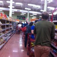 รูปภาพถ่ายที่ Trader Joe's โดย kathi p. เมื่อ 9/22/2013