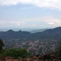 Foto tomada en El Cerro del Tepozteco por Karime C. el 6/29/2013