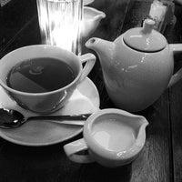 Photo prise au Café Rouge par Ghida A. le3/9/2013