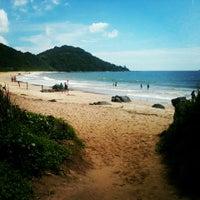 Foto tirada no(a) Praia Brava por Renato B. em 3/12/2013