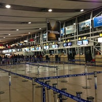 Foto tirada no(a) Aeropuerto Internacional Comodoro Arturo Merino Benítez (SCL) por Ignacio G. em 7/8/2013