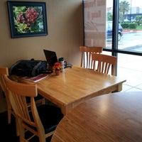 Foto scattata a Coffee Villa da Tony T. il 10/31/2012