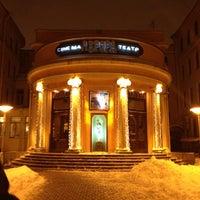 รูปภาพถ่ายที่ Avrora Cinema โดย Katerina A. เมื่อ 12/2/2012