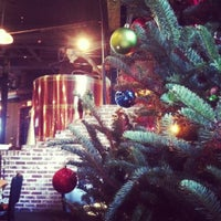 Foto tomada en Max Lager's Wood-Fired Grill & Brewery  por Kim C. el 11/29/2012