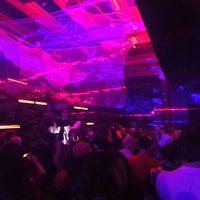 รูปภาพถ่ายที่ 42 Lounge โดย Heather M. เมื่อ 10/27/2013