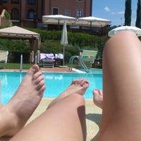 รูปภาพถ่ายที่ Saturnia Tuscany Hotel โดย Antonella M. เมื่อ 5/25/2014