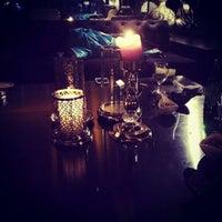 Foto diambil di No4 Restaurant • Bar • Lounge oleh Tayfun B. pada 4/18/2014