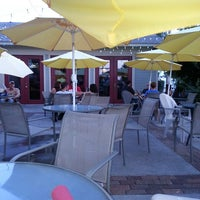Foto diambil di Tierney's Cafe & Tavern oleh Judy R. pada 7/21/2013