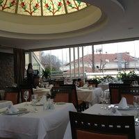 Снимок сделан в Matbah Restaurant пользователем Sérgio G. 1/3/2013