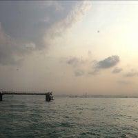 Foto diambil di Pulau Bukom Ferry Jetty oleh Mary A. pada 6/28/2013