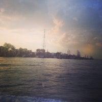 Foto diambil di Pulau Bukom Ferry Jetty oleh Mary A. pada 11/19/2013