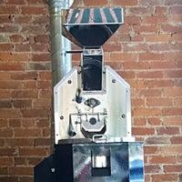 Foto diambil di Newberry Bros. Coffee oleh Don P. pada 6/7/2015