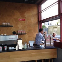 รูปภาพถ่ายที่ Linea Caffe โดย Dale T. เมื่อ 3/8/2014