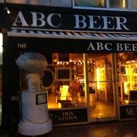Foto diambil di Alphabet City Beer Co. oleh Dale T. pada 6/8/2013