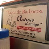 Foto tomada en Tacos de Barbacoa El Amigo por Carlos B. el 3/9/2013