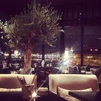Foto tirada no(a) Ресторан & Lounge «Река» por Evgenya K. em 10/29/2012