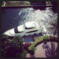 Foto diambil di Riverside Hotel oleh BJ S. pada 1/13/2013