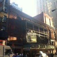 Foto tirada no(a) Nederlander Theatre por Eileen W. em 6/5/2013