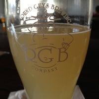 3/23/2013にMaryJo W.がRound Guys Brewing Companyで撮った写真