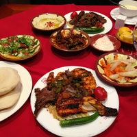 8/14/2013 tarihinde Faisal A.ziyaretçi tarafından مطعم حسني'de çekilen fotoğraf