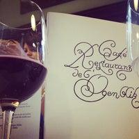 Photo prise au Restaurant de l'Ogenblik par Tara S. le4/25/2013